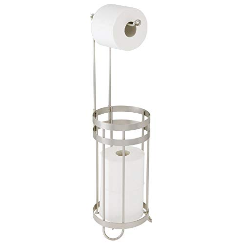 mDesign Toilettenpapierhalter stehend – moderner Papierrollenhalter fürs Badezimmer – Klopapierhalter für mehrere Rollen – mit Halter für 3 Reserverollen – mattsilberfarben