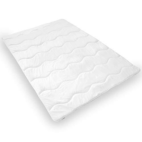DILUMA Bettdecke 135x200 cm aus 100% Mikrofaser, atmungsaktive Ganzjahres Steppdecke, für Allergiker geeignet, Steppbettdecke maschinenwaschbar und trocknergeeignet