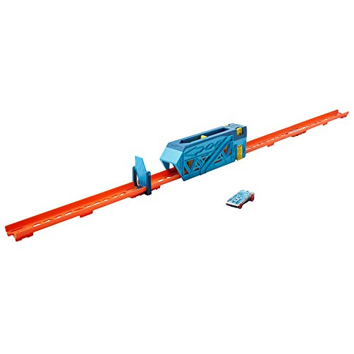 Hot Wheels Track Builder Unlimited Slide & Launch Pack for Kids 6 Years & Older with A 1:64 Scale Vehicle, Moveable Kicker Booster & 3 Track Pieces That Connect to Other Sets