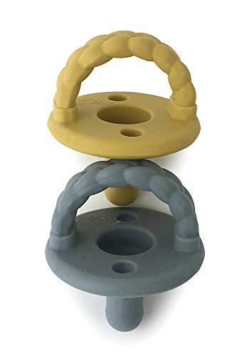 Itzy Ritzy Sweetie Schnuller-Set, 2 Stück – Silikon-Schnuller für Neugeborene mit klappbarem Griff und zwei Luftlöchern für zusätzliche Sicherheit; 2 Stück in dunkelgrau und gelb, für Kinder ab Neugeborenen