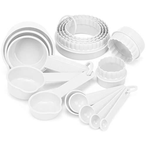 com-four® 16-teiliges Back- und Küchen-Set mit Messlöffel und Ausstechformen - Dosierlöffel und Backformen zum Kochen (16-teilig - weiß)