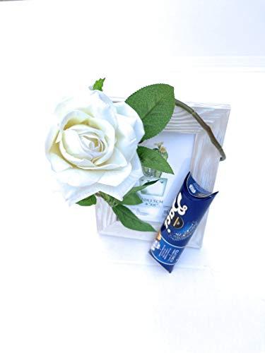 Auguri Baci Perugina -Regalo Mamma- Regalo Papà - Cornice Porta Foto in Legno 10x15 cm + Baci Perugina Classico 37,5 + Rosa Bianca (artificiale) - Idea Regalo (Bianco)
