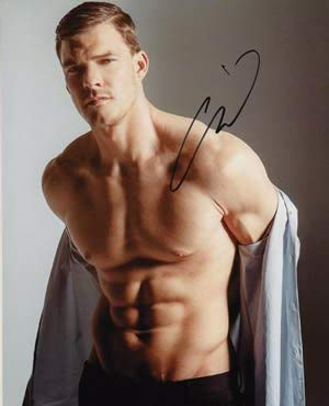 Shirtless Hunger Games/aquaman Star Alan Ritchson Signed 8x10 in Person