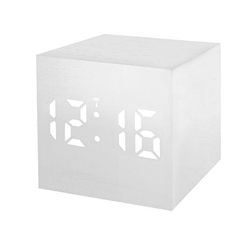 Bresser Funkwecker MyTime WAC mit Holz Optik Kunststoffgehäuse, Uhrzeit-, Datum- und Temperatur-Anzeige, Weckfunktion, Netz- oder Batteriebetrieb, weiß mit weißer LED