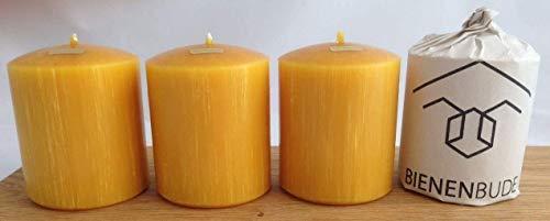 4 Stück Kerzen, 10 x 8 cm, Stumpenform, aus 100{f85c6c7e772a76f8cc79a5232961312b02b954f66851e9802eef25f60cfa6d8d} Bienenwachs handgemacht, gegossen, mit langer Brenndauer, Bienenwachskerzen, direkt vom Imker aus Deutschland, Bayern, von der Bienenbude
