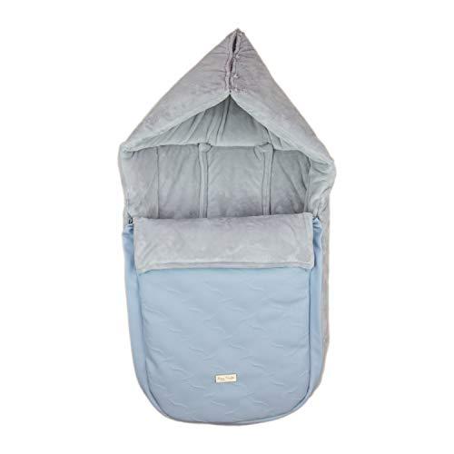 Saco/Arrullo para Capazo con arnes y capucha integrada Rosy Fuentes en color celeste empolvado gris