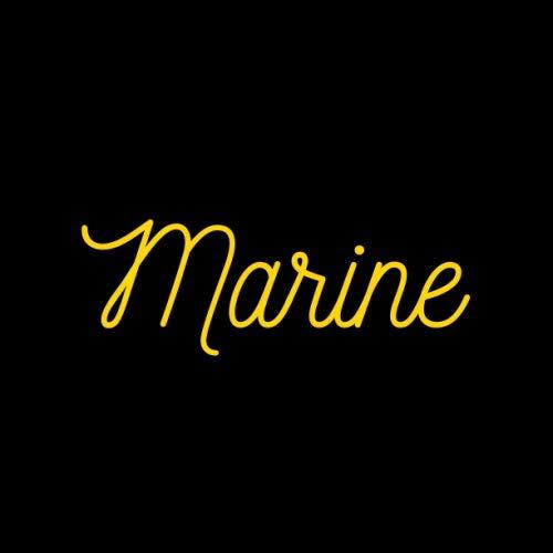 Livre d'or « Marine »: [Format Carré 21,6x21,6 cm | 100 pages][Objet cadeau/souvenir] Livre d'or avec le prénom « MARINE », événements : anniversaire, ... [Couverture noire/or][Qualité Premium]