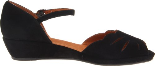Gentle Souls by Kenneth Cole Women's Lily Moon Wedge Pump, Black, 9 M US
