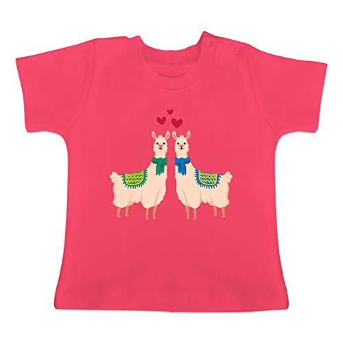 Valentinstag Baby - 2 Lamas mit Herzen - 3/6 Monate - Fuchsia - BZ02 - Baby T-Shirt Kurzarm