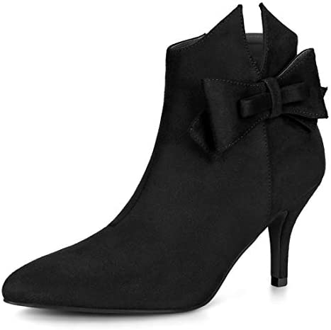 Black heels with ankle bow