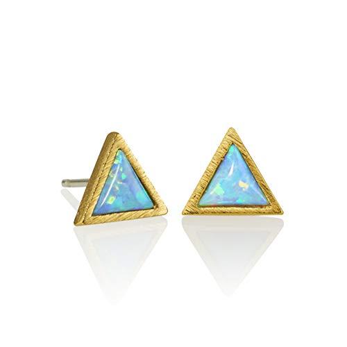 Namana Triangle Opal Ohrstecker, zierliche Ohrringe mit synthetischen Opalen, gebürstetes Finish, geometrischer Ohrschmuck für Damen, 14 Karat vergoldet oder Silberfarben (Vergoldet, Opal)