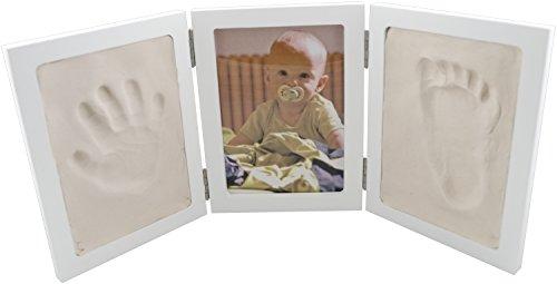 Bieco 641727 - Set completo con portafotografie e due riquadri per le impronte delle manine o dei piedini, bianco