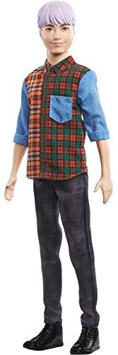 Lalka Barbie Ken Fashionistas #154 z rzeźbionymi fioletowymi włosami noszącymi kolorową koszulkę w kratę, czarne spodnie dżinsowe i kozaki, zabawka dla dzieci w wieku od 3 do 8 lat