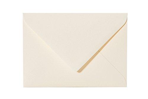 je 25 Standard-Umschlag 14x19 cm, 80g mit Dreieckslasche in Zartcreme 01