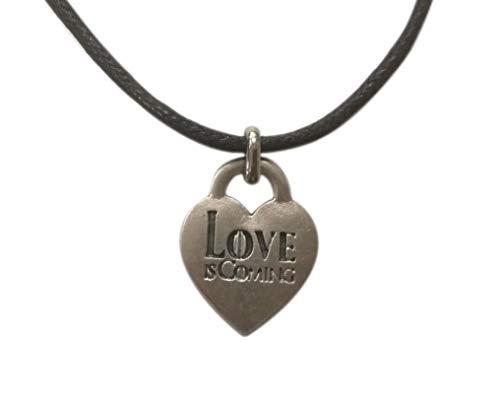 Eurofusioni Love is Coming versilberter Herzanhänger Halskette. Liebe kommt: Game of Thrones inspiriert. Fanartikel Damen, Bachelorette Junggesellenabschied. Medaille H 2,5 cm