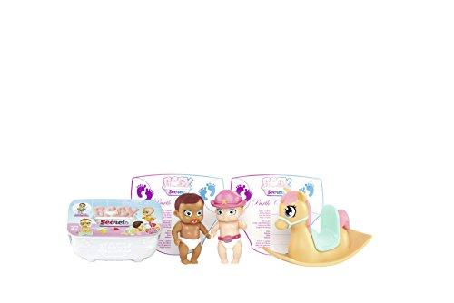 Baby Secrets Lot de Figurines bébés avec Cheval à Bascule