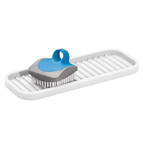 mDesign Organizador de cocina para estropajos, cepillos o jabón – Jabonera antideslizante para el fregadero de la cocina – Estropajero estriado de silicona – blanco
