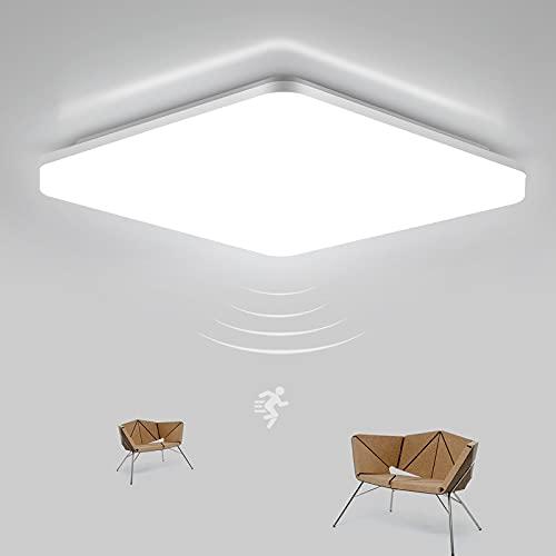 LEOEU Lámpara de techo LED con detector de movimiento, 24 W, 2400 lm, lámpara de techo LED con sensor de movimiento con mando a distancia, IP54, lámpara de baño ajustable para sótano, pasillo, balcón