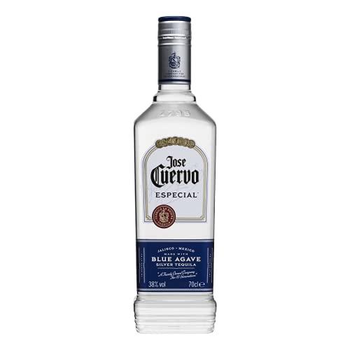 Jose Cuervo Especial Silver - Tequila bianco non invecchiato, realizzato con una miscela unica ed equilibrata per esaltare i toni di agave ed erbe fresche. Bottiglia da 70cl, Vol.38%.