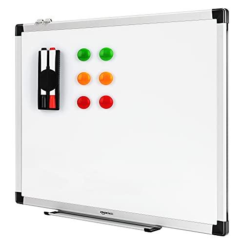 Amazon Basics Tableau blanc magnétique avec cadre en aluminium et porte-marqueurs Effaçable à sec, 60 cm x 45 cm