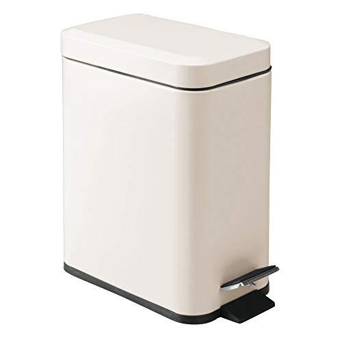 mDesign rechteckiger Tretmülleimer mit 5 L Kapazität – kompakter Mülleimer mit Inneneimer für das Bad, Schlafzimmer oder Büro – moderner Papierkorb aus Edelstahl und Kunststoff – Creme und beige