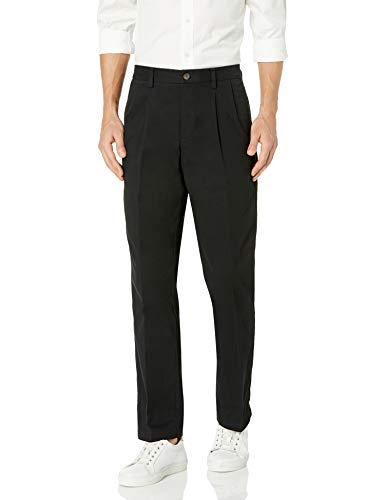 Amazon Essentials Classic-Fit Wrinkle-Resistant Pleated Chino Pant Pantaloni, Nero (True Black), W35/L30 (Taglia Produttore: 35W x 30L)