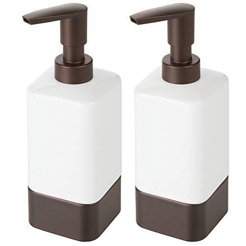 mDesign zeepdispenser voor badkamer of keuken, navulbare zeepdispenser van keramiek, kunststof en metaal, stijlvolle badaccessoires voor zeep, lotion of geuroliën, verpakking van 2 stuks Wit/bronskleuren