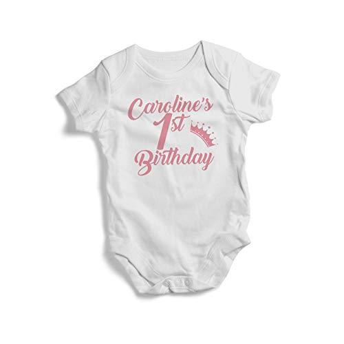 DKISEE - Tutina unisex per bambini, motivo Caroline'S (qualsiasi nome) per 1 San compleanno, colore: Bianco