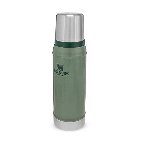 Stanley Classic Legendary Bottle Edelstahl-Thermoskanne,   BPA-frei  Hält heiß oder kalt   Deckel fungiert auch als Trinkbecher   Spülmaschinenfest   Lifetime Warranty, Hammertone Green, 0.75 L