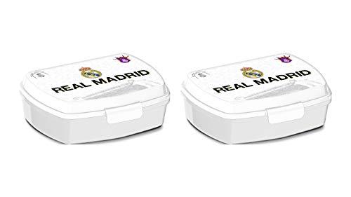 2293; pak 2 rechthoekige veelkleurige Real Madrid broodjes; binnenafmetingen 16.5x11.5x5.5 cm; plastic product; Geen BPA