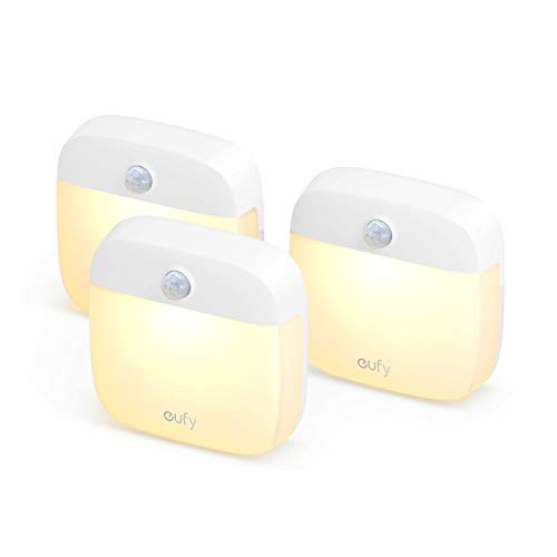 eufy Lumi Stick-On Nachtlicht, Dreierpack Beleuchtung zum Aufkleben, das Upgrade, warmes LED-Licht, mit Bewegungssensor, energieeffizient, klein & kompakt, für Schlafzimmer, Bad, Küche, Flur, Treppen