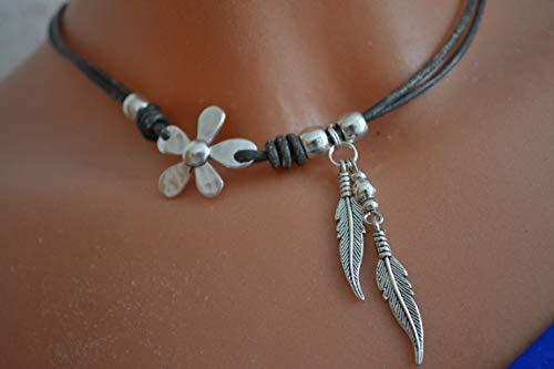 Halskette graubraun mit Blume und Federn