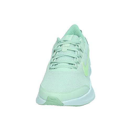 Nike Run All Day 2, Running Shoe Mujer, Aura Picea/Voltio Ligero/Escarcha Pistacho, 36.5 EU