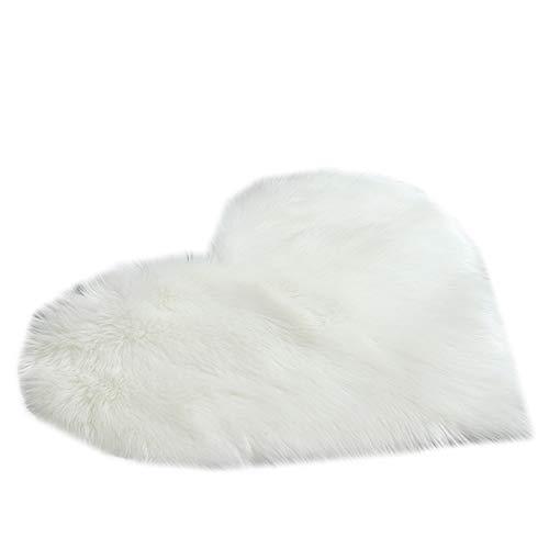 QINGJIANG Alfombra en forma de corazón para el suelo, alfombra de felpa, antideslizante, para sala de estar, dormitorio, suave, peludo, color blanco, 40 x 50 cm