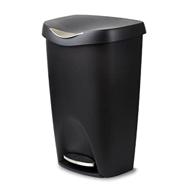 Umbra Brim Large Kitchen Trash Can with Stainless Steel Foot Pedal – Stylish and Durable 13 Gallon Step Garbage Can with Lid, Black