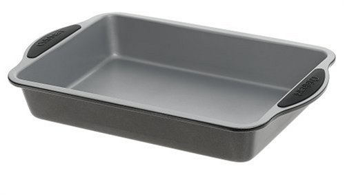 Cuisinart Easy Grip Bakeware 13-Inch by 9-Inch Cake Pan