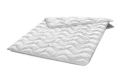 Traumnacht Basis Steppbett Leicht Sommerdecke, für den Sommer, mit kuschelig weichem Microfaserbezug in 200 x 200 cm, weiß