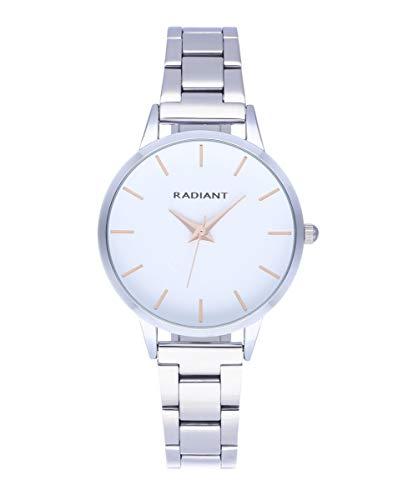 Reloj analógico para Mujer de Radiant. Colección Light. Reloj de Brazalete Plateado con Esfera a Tono y Detalles en rosé. 3ATM. 33.50mm. Referencia RA569202.