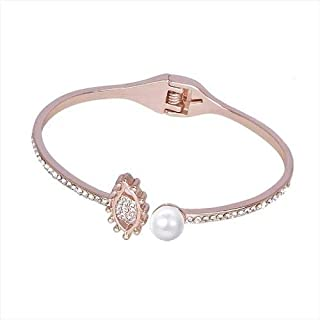 The new luxury diamond pearl bracelet