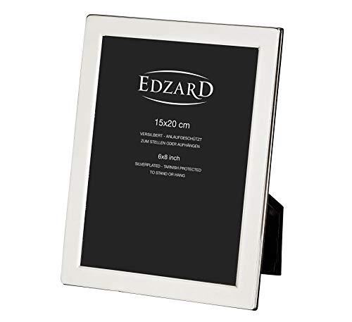 EDZARD Bilderrahmen Salerno für Foto 15 x 20 cm, edel versilbert, anlaufgeschützt, mit Samtrücken, inkl. 2 Aufhängern, Fotorahmen zum Stellen und Hängen