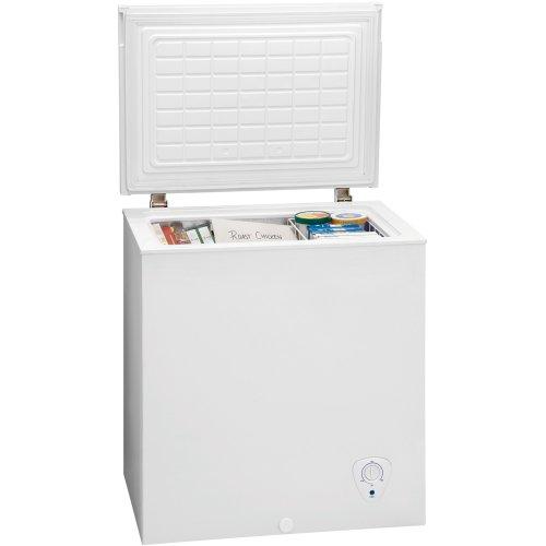 Frigidaire FFFC05M2KW 5.0 cu. ft. Chest Freezer (White)
