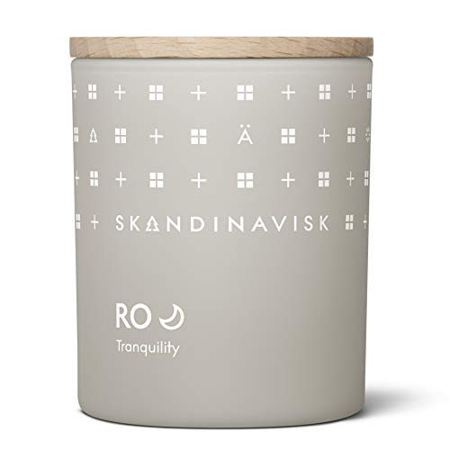 Skandinavisk RO 'Tranquility' Mini Scented Candle. Fragrance Notes: Cut Grass and Fallen Leaves, Cucumber and Wild Violets. 65 g.