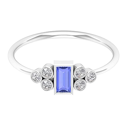Anillo de promesa de 1/2 quilates con baguette tanzanita y detalles de diamante (calidad AAA), oro blanco, tanzanita, tamaño: UK O1/2