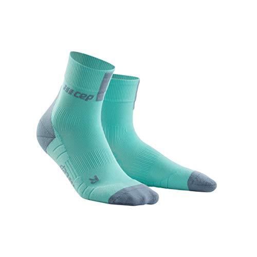 CEP – Short Socks 3.0 für Damen   Sportsocken für mehr Power und Ausdauer in hellblau/grau in Größe III