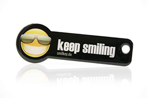 Code24 Einkaufswagenlöser 'keep smiling', Schlüsselanhänger mit Einkaufschip & Schlüsselfinder, inkl. Registriercode für Schlüsselfundservice, Einkaufswagenchip mit Profiltiefenmesser, Key-Finder