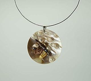 Prodotto artigianale Mandala Donna Realizzato su Piastra in Madreperla, Perle barocche e Argento 925% Pezzo Unico