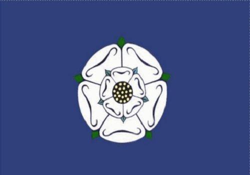 Yorkshire Rose Vieux Drapeau 1,5 x 0,9 m Grand – 100% Polyester – Oeillets en métal – Double couture