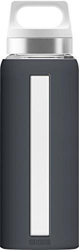 SIGG Dream Shade Trinkflasche (0.65 L), schadstofffreie und hitzebeständige Trinkflasche, auslaufsichere Trinkflasche aus Glas mit Silikonhülle