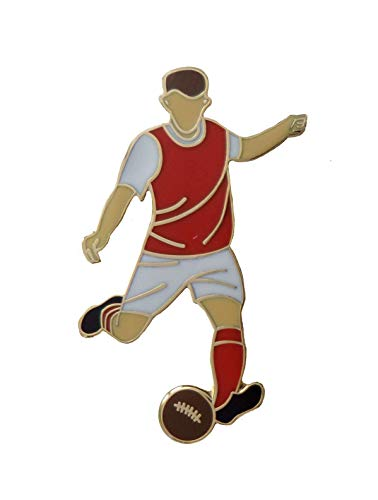 1000 Flags Fleetwood Town Football Player Pin Badge - In Retro Kit With Real Gold Plate