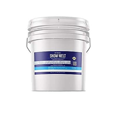 Earthborn Elements Snow & Ice Melt Pellets (30 lbs), PET-Safe, Concrete Safe, 90% Pure Calcium Chloride, Deicer, Fast Acting, Exothermic Heat, More Effective Than Rock Salt